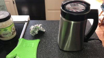 How to make CBD oil using coconut oil (simple recipe) Featuring the Magic Butter Machine!
